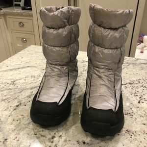 Kamik silver & black winter snow boots